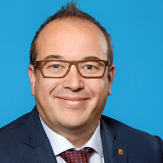 Carlos Reinhard
